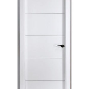Puerta blanca lacada con líneas horizontales